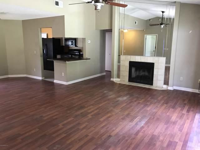 906 Aries Rd W, Jacksonville, FL 32216 (MLS #1012700) :: The Hanley Home Team