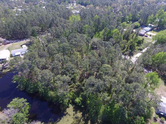 136 Waterway Dr, Satsuma, FL 32189 (MLS #1016535) :: The Every Corner Team | RE/MAX Watermarke