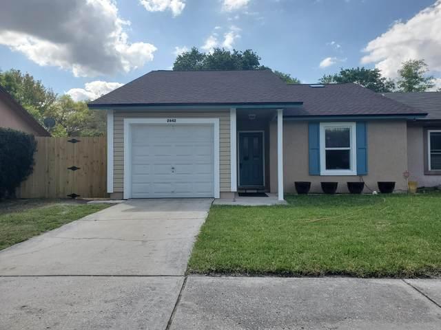 2642 Hidden Village Dr, Jacksonville, FL 32216 (MLS #1038841) :: CrossView Realty