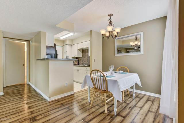 10200 Belle Rive Blvd #19, Jacksonville, FL 32256 (MLS #1039834) :: Memory Hopkins Real Estate