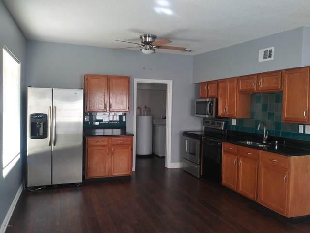 6921 Restlawn Dr, Jacksonville, FL 32208 (MLS #1041634) :: Bridge City Real Estate Co.
