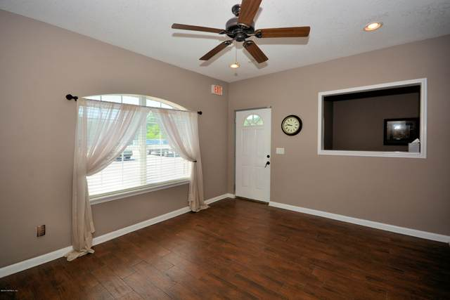 9957 Moorings Dr #302, Jacksonville, FL 32257 (MLS #1044953) :: The Hanley Home Team