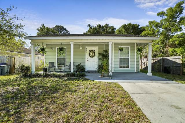 401 Lena St, St Augustine, FL 32084 (MLS #1048152) :: The Volen Group | Keller Williams Realty, Atlantic Partners