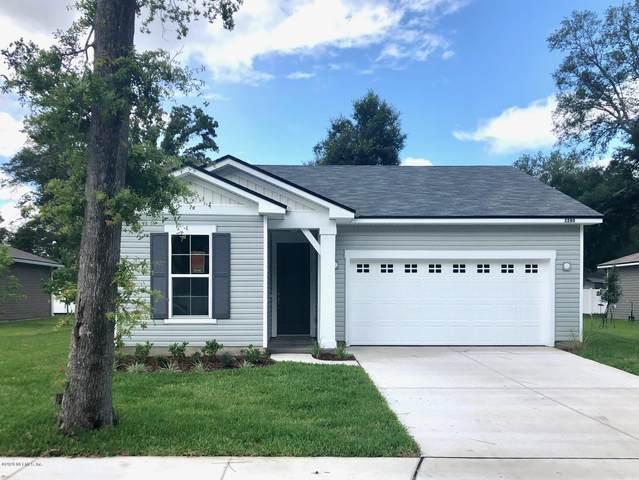2280 Lincoln Sendero Trl, Jacksonville, FL 32218 (MLS #1054574) :: The Hanley Home Team