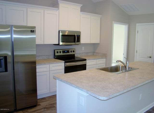4933 Calendula Ave, Middleburg, FL 32068 (MLS #1054814) :: The Hanley Home Team