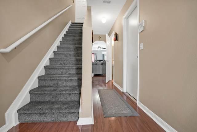 3769 Verde Gardens Cir, Jacksonville, FL 32218 (MLS #1066435) :: Memory Hopkins Real Estate