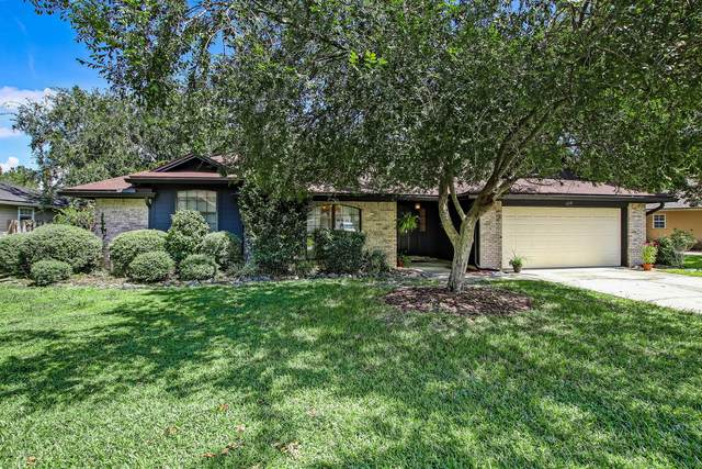 4379 Prairie View Dr S, Jacksonville, FL 32258 (MLS #1067714) :: The DJ & Lindsey Team