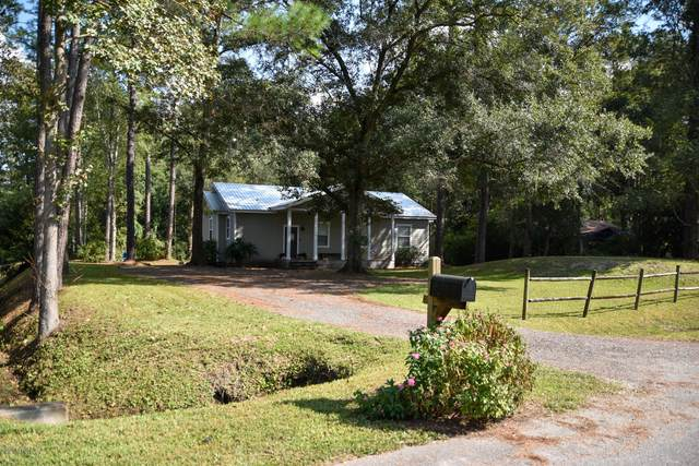 8836 Doris Ln, Jacksonville, FL 32220 (MLS #1078556) :: The Volen Group, Keller Williams Luxury International
