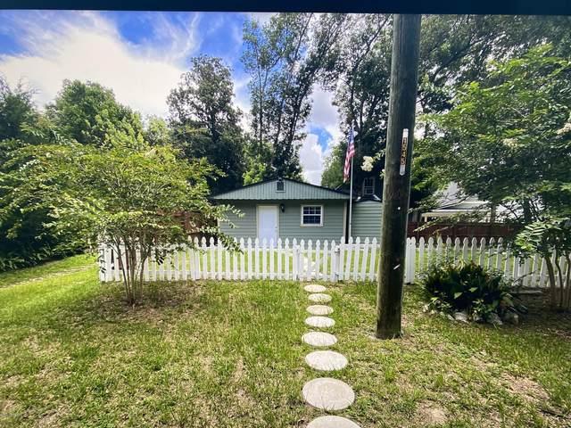 1555 Pine Grove Ave, Jacksonville, FL 32205 (MLS #1079582) :: 97Park