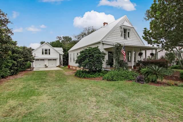 416 N 3RD St, Fernandina Beach, FL 32034 (MLS #1080942) :: Homes By Sam & Tanya