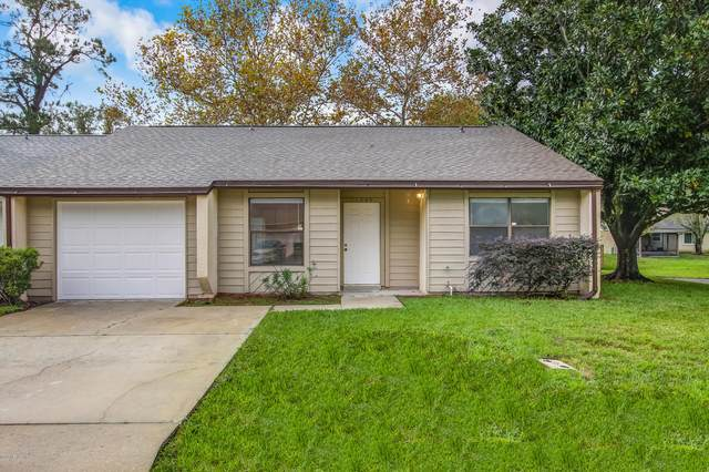 11406 Malibu Way N, Jacksonville, FL 32223 (MLS #1082114) :: The Impact Group with Momentum Realty