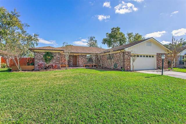 9153 Runnymeade Rd, Jacksonville, FL 32257 (MLS #1083359) :: The Impact Group with Momentum Realty