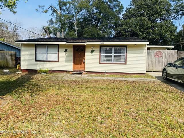 5477 Windermere Dr, Jacksonville, FL 32211 (MLS #1093930) :: The Coastal Home Group