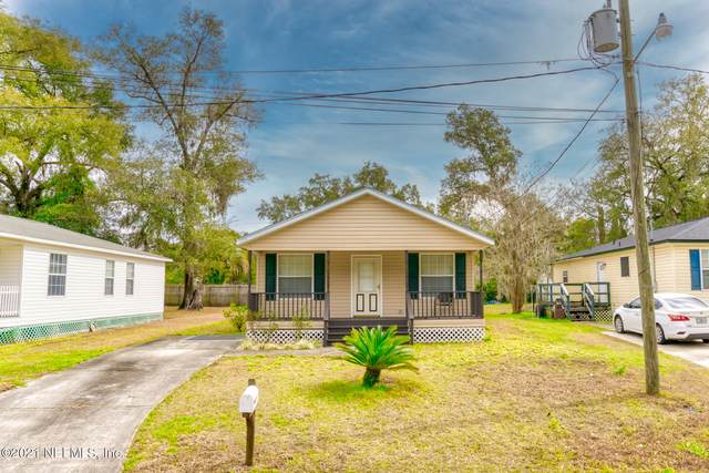 1205 East St, GREEN COVE SPRINGS, FL 32043 (MLS #1094103) :: The Coastal Home Group