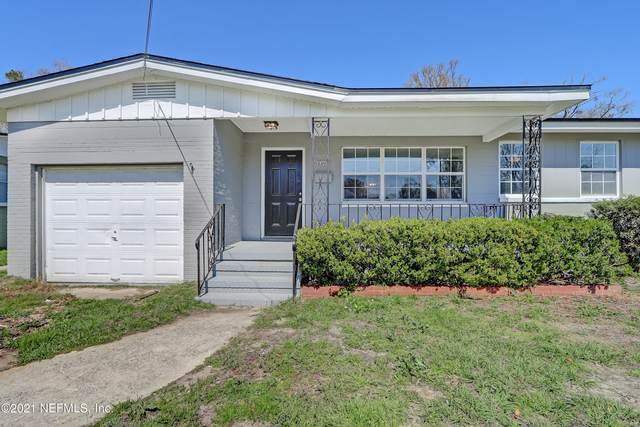 6607 Aires Rd, Jacksonville, FL 32244 (MLS #1097016) :: The DJ & Lindsey Team