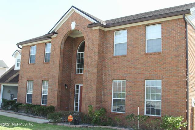 5324 Downington Dr, Jacksonville, FL 32257 (MLS #1100725) :: The Hanley Home Team