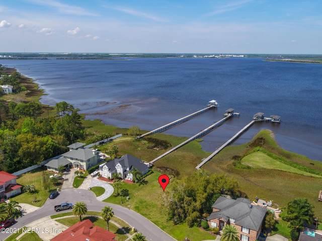 4338 Boat Club Dr, Jacksonville, FL 32277 (MLS #1101782) :: The Hanley Home Team