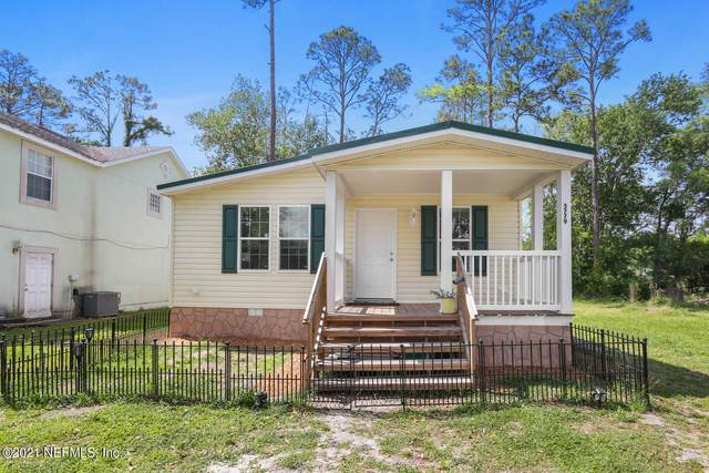 5779 State Rd 207, Elkton, FL 32033 (MLS #1101879) :: The Newcomer Group