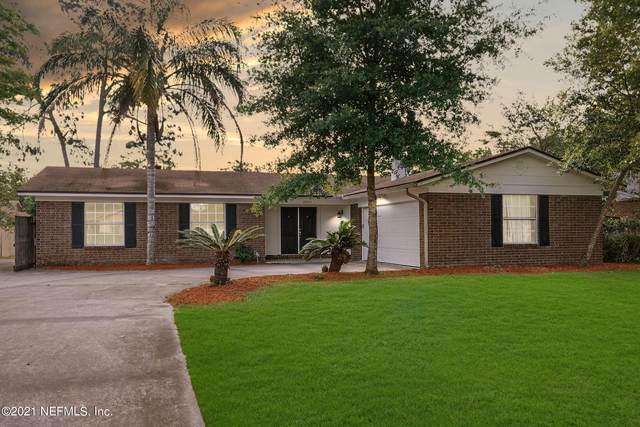 12451 Macaw Dr, Jacksonville, FL 32223 (MLS #1107349) :: The Every Corner Team