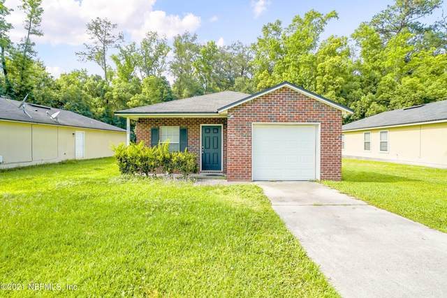 2043 Sessions Ln, Jacksonville, FL 32207 (MLS #1109338) :: The Hanley Home Team