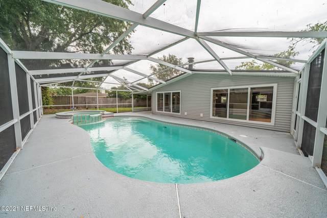 3323 Wilkshire Ln, Jacksonville, FL 32257 (MLS #1113856) :: The Newcomer Group
