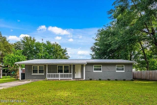 104 Colonial Cir, Palatka, FL 32177 (MLS #1118279) :: The Huffaker Group