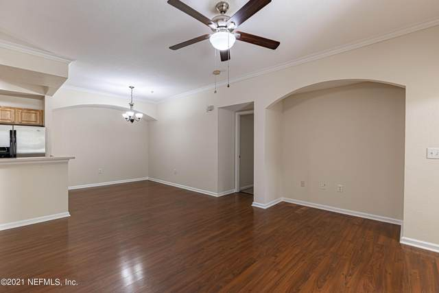 10075 Gate Pkwy N #703, Jacksonville, FL 32246 (MLS #1119836) :: The Huffaker Group