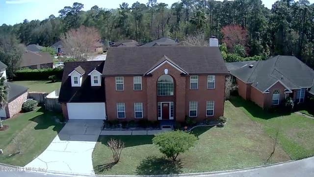 5324 Downington Dr, Jacksonville, FL 32257 (MLS #1123231) :: The Collective at Momentum Realty