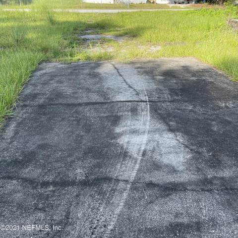 120 Reaves Ave, Interlachen, FL 32148 (MLS #1123384) :: The Randy Martin Team | Watson Realty Corp