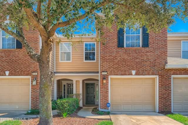 4173 Marblewood Ln, Jacksonville, FL 32216 (MLS #1136727) :: The Hanley Home Team