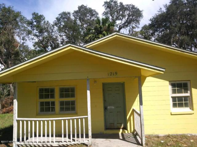 1219 S 12TH St, Palatka, FL 32177 (MLS #873759) :: EXIT Real Estate Gallery