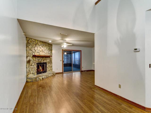 5812 Liska Dr, Jacksonville, FL 32244 (MLS #915072) :: EXIT Real Estate Gallery