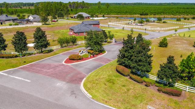 11206 Saddle Club Dr, Jacksonville, FL 32219 (MLS #927271) :: CrossView Realty