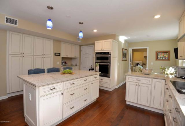 8605 Villa San Jose Dr E, Jacksonville, FL 32217 (MLS #944076) :: Memory Hopkins Real Estate