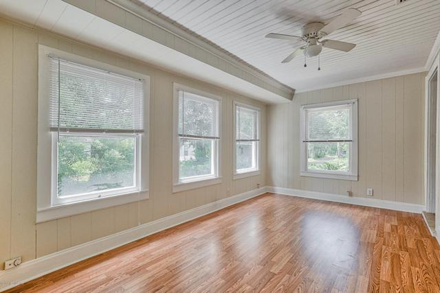 6702 Buffalo Ave, Jacksonville, FL 32208 (MLS #952996) :: EXIT Real Estate Gallery
