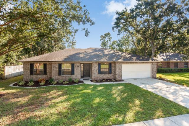 559 Lazy Meadow Dr E, Jacksonville, FL 32225 (MLS #957003) :: The Hanley Home Team