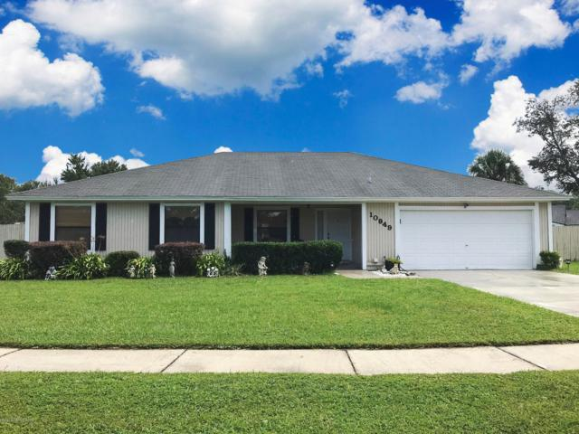 10949 Chesapeake Ln W, Jacksonville, FL 32257 (MLS #959427) :: The Hanley Home Team