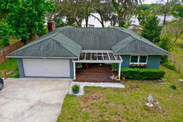 822 Lake Shore Ter, Interlachen, FL 32148 (MLS #970403) :: Berkshire Hathaway HomeServices Chaplin Williams Realty