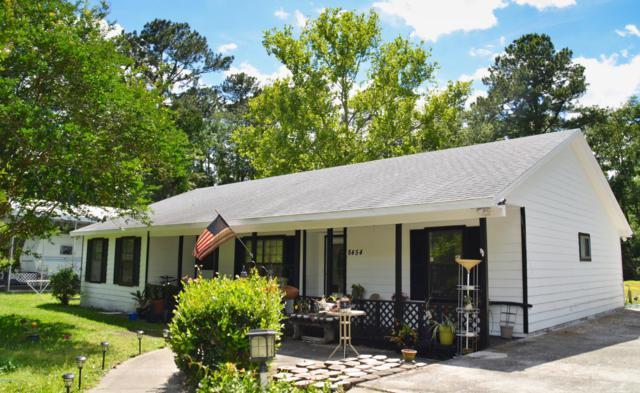 8454 Navarra Ave, Jacksonville, FL 32244 (MLS #984680) :: The Hanley Home Team