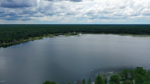 240 Cue Lake Dr, Hawthorne, FL 32640 (MLS #990951) :: EXIT Real Estate Gallery