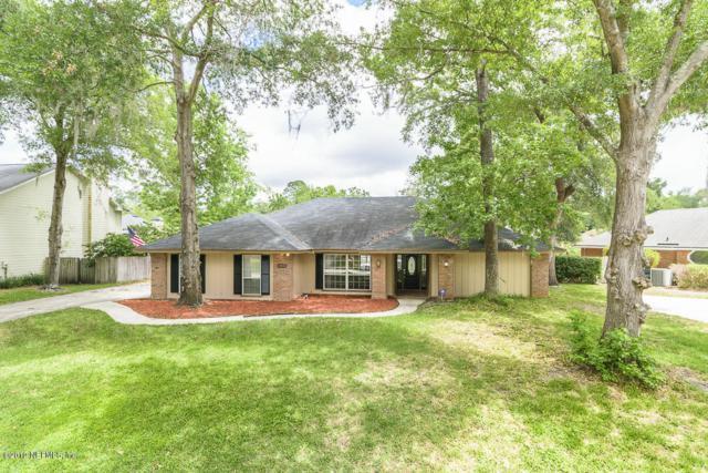 13825 Carters Grove Ln, Jacksonville, FL 32223 (MLS #992122) :: The Hanley Home Team