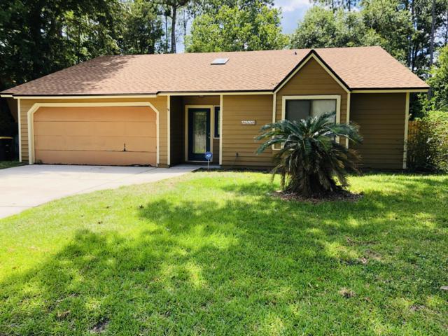 8228 Honeysuckle Ln, Jacksonville, FL 32244 (MLS #994822) :: The Hanley Home Team