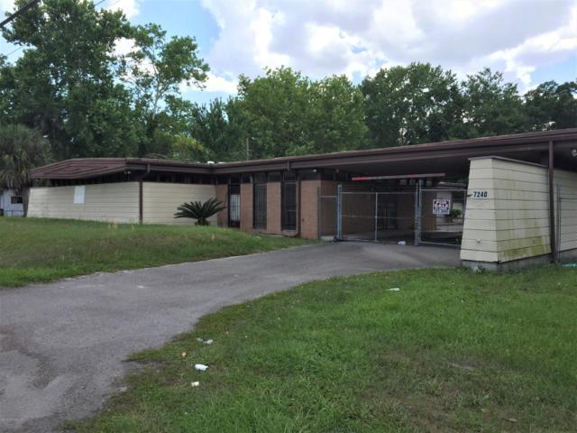 7240 Lem Turner Cir, Jacksonville, FL 32208 (MLS #996338) :: EXIT Real Estate Gallery