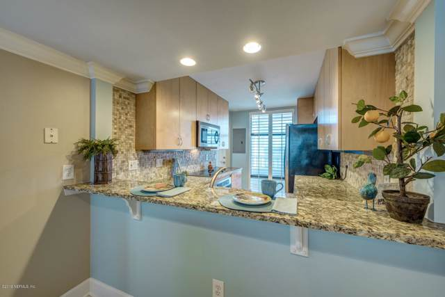 2100 Ocean Dr S Ph2, Jacksonville Beach, FL 32250 (MLS #1019033) :: The DJ & Lindsey Team