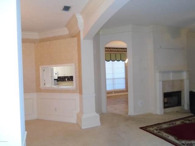 3840 Chapelgate Rd, Jacksonville, FL 32223 (MLS #1025079) :: The Hanley Home Team