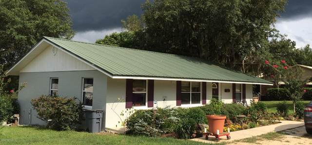 208 Hayman Dr, Interlachen, FL 32148 (MLS #1067792) :: Memory Hopkins Real Estate