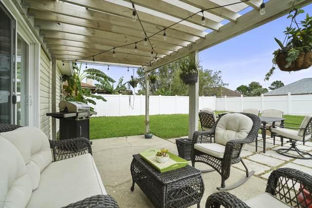 2339 Paramount Dr, Jacksonville, FL 32224 (MLS #1076496) :: Homes By Sam & Tanya