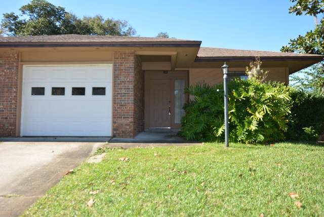 3962 Hollows Dr, Jacksonville, FL 32225 (MLS #1077037) :: Homes By Sam & Tanya