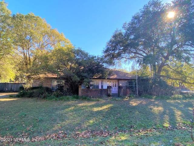 2412 Leafdale Cir S, Jacksonville, FL 32218 (MLS #1091263) :: The Impact Group with Momentum Realty
