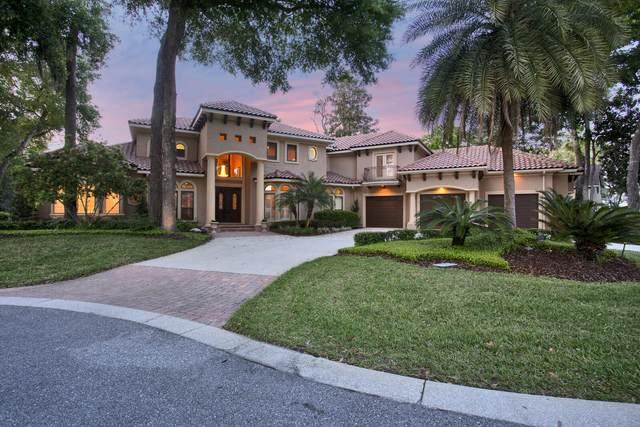 13749 Shelter Cove Dr, Jacksonville, FL 32225 (MLS #1104003) :: The Every Corner Team